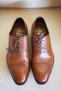 Groomsmen shoes via Kara & Tim's Rustic Country Lodge Wedding on The LANE.