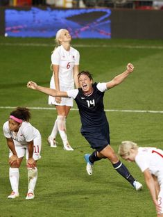 USA's Wambach celebrates defeating Canada in the women's semi final soccer match at the London 2012 Olympic Games