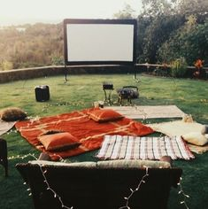 An outdoor movie night would be fun for a teen birthday party in the summer! Summer Bucket, Summer Fun, Summer Time, Summer Nights, Summer Goals, Summer Parties, Summer Ideas, Bed Peace, Backyard Movie Nights