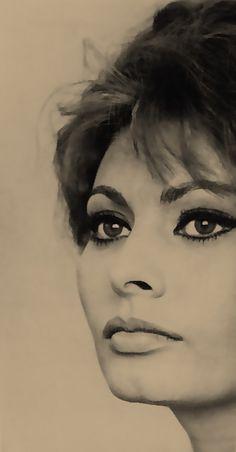 Sofía Loren y sus bellos ojazos!