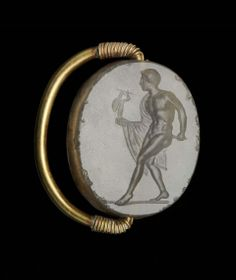 Scaraboid gem with Diomedes carrying the Palladion, Greek, Classical Period, Early 4th century B.C.