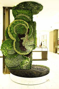 Homebuildlife: Botanical walls at Isetan Shinjuku store, Tokyo