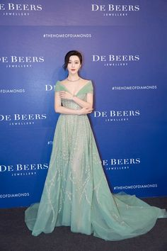 Glad to join Lotus by De Beers event in Taiwan enjoying the lovely weather and friends here! Gala Dresses, Red Carpet Dresses, Couture Dresses, Nice Dresses, Evening Dresses, Formal Dresses, Georges Hobeika, Celebrity Red Carpet, Celebrity Dresses