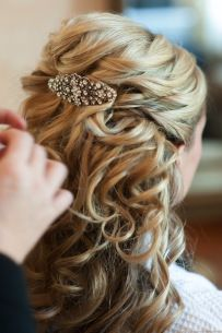 Half up half down wedding hair | The Little Lam