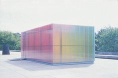 Artist: Ann Veronica Janssens, Blue, red and yellow, 2001