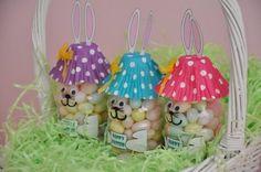 Veja como fazer lindos coelhinhos em forma de garrafinhas de jujubas! Vai ficar muito lindo e as cri