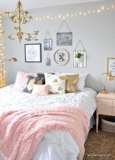 Vintage Nachtkästchen in hellem, modernen Ton #girlsbedroom