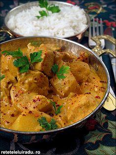 Ca de obicei, si aceasta reteta indiana ofera o adevarata simfonie de arome si gusturi. Ca multe alte curry-uri, nici acesta nu arata foarte spectaculos, dar compenseza prin culoarea placuta si savoarea deosebita.