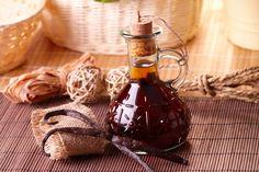 ***¿Cómo hacer Esencia de Vainilla?*** Casi todas las recetas dulces la piden. Por eso, aprende cómo hacer extracto de vainilla en casa, con y sin alcohol.....SIGUE LEYENDO EN..... http://comohacerpara.com/hacer-esencia-de-vainilla_12415c.html