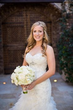 Bridal Bouquet #sassiweddings #ivoryroses  Photographer: Jennifer Bowen Photography Venue: Sassi