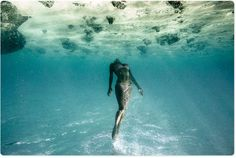 Ocean. Free Diving. Bikini Babe.