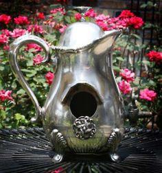 Repurposed Teapot -> Birdhouse!