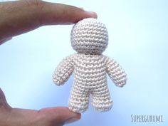 Mini Crochet Doll made in one piece with tutorial