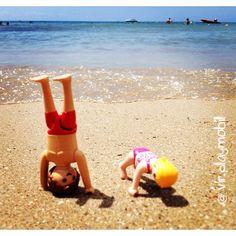 Doing a #handstand ☀️ #playmobilfigures #playmobillovers #playmobilporelmundo #playmo #playmobilespaña #famobil #clicks #iloveplaymo #playmo #playmobilfans #playmobilmania #toycreativity #playmobilcollectorclub #geobra #playmyplanet #iloveplaymo #iloveplaymo #playmobil #playmobils #playmobile #toystagram #toyartistry #toyfusion #sea #summer