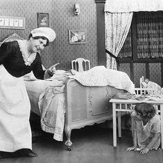 Tudtad, hogy régebben a babysittert- felvigyázó, dajkának hívták?