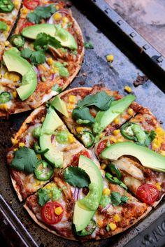 Mélange des pizza italiennes et tortillas mexicaines