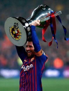 Since Messi's debut in the season, no club has won more trophies than him. Messi Soccer, Messi 10, Soccer Teams, God Of Football, Football Players, Neymar, Messi World Cup, Lionel Messi Wallpapers, Pep Guardiola