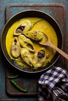 A traditional Bengali way of Cooking Hilsa fish in a Mustard-Yogurt gravy. Doi Ilish Bhapa/ Steamed Hilsa in mustard-yogurt gravy Ingredients Ilish/Hilsa Fish- 8 pieces Mustard paste- 4 tbsp (you can … Bangladeshi Food, Bengali Food, Seafood Recipes, My Recipes, Cooking Recipes, Thai Recipes, Indian Fish Recipes, Vegetable Curry, Fish Curry