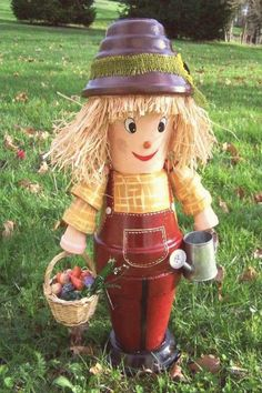 flower pot Over 50 of the BEST DIY Fall Craft Ideas - everything from homemade crafts, outdoor projects, and DIY home decor.we have got you covered! Flower Pot Art, Flower Pot Design, Clay Flower Pots, Flower Pot Crafts, Flower Pot People, Clay Pot People, Clay Pot Projects, Clay Pot Crafts, Diy Projects