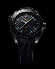 The @omegawatches Seamaster Planet Ocean (night view) hands and indices are coated in white Super-LumiNova. More @ http://www.watchtime.com/wristwatch-industry-news/watches/showing-at-watchtime-new-york-2016-omega-seamaster-planet-ocean-deep-black-collection/ #omega #watchtime #watchnerd