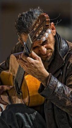 ♪♫ Music ♪♫ Guitar man...