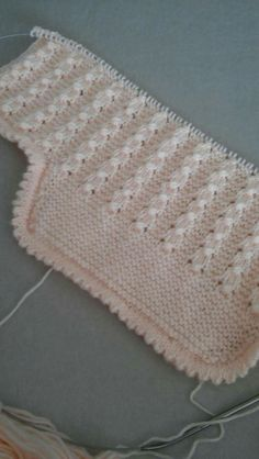 Discover thousands of images about 10 Baby Afghan Crochet, Baby Afghans, Crochet Hats, Crochet Patterns For Beginners, Baby Knitting Patterns, Pvc Joints, Old Sheets, Scary Halloween Decorations, Outdoor Halloween
