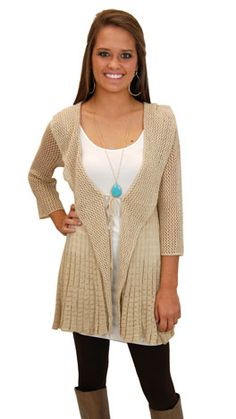 Another great sweater that you can simply throw on and go! Great for us busy college students! #shopbluedoor