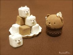 Cute desserts they are little bears Cute Desserts, Delicious Desserts, Yummy Food, Yummy Yummy, Kawaii Dessert, Japanese Sweets, Cute Cakes, Creative Food, Creative Ideas