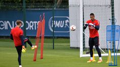 Kevin TRAPP : son inconfortable situation ! - http://www.le-onze-parisien.fr/kevin-trapp-inconfortable-situation/
