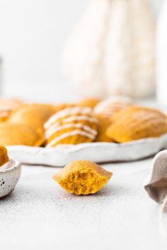 Pumpkin Madeleines – Mildly Meandering Pumpkin Pie Spice, Pumpkin Puree, Madeline Cookies Recipe, Madeleine Recipe, Copycat Recipes, Cookie Recipes, Spices, Vegetarian, Homemade