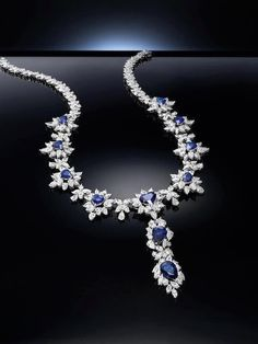 Stunning sapphires, love this necklace