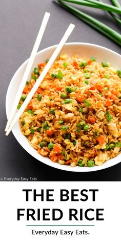 Recipes Asian This easy Chinese Fried Rice recipe. - Recipes Asian This easy Chinese Fried Rice recipe is the best ever! Made with egg, rice and lots of vegetables, it makes a healthy Asian dinner that tastes even better than takeout. Easy Chinese Fried Rice Recipe, Easy Chinese Recipes, Easy Rice Recipes, Easy Appetizer Recipes, Easy Healthy Recipes, Easy Dinner Recipes, Vegetarian Recipes, Cooking Recipes, Easy Meals