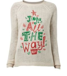 """Wear this sweet Christmas jumper with and dark red ankle boots during the festive season.- Printed front- Simple long sleeves- Round neck- Soft knitted fabric- Casual fit- Model is 5'8""""/176cm and wears UK 10/EU 38/US 6"""