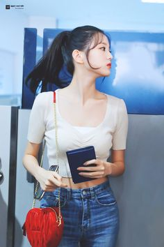 Kpop Fashion, Korean Fashion, Airport Fashion, Fashion Women, K Pop, Cute Girls, Cool Girl, Yuri, Woo Young