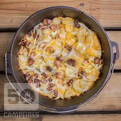 35 Incredibly Easy Dutch Oven Recipes For Camping - 50 Campfires Oven Cheesy Potatoes, Dutch Oven Potatoes, Camping Desserts, Camping Meals, Camping Cooking, Backpacking Meals, Kayak Camping, Ultralight Backpacking, Family Camping