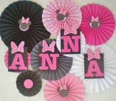Minnie mouse party table backdrop paper fans by DellaCartaDecor