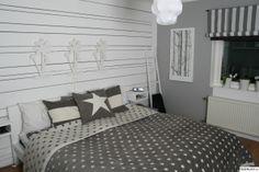 sovrum,panel,stjärnor,grått,vitt
