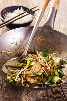 Stir Fry Chicken with Spicy Peanut Sauce | Food 2 Please