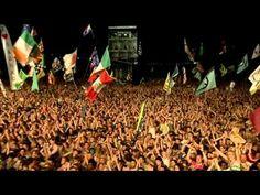 Music... it's fantastic!          (Blur - Tender, live at Glastonbury 2009)