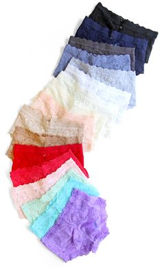 Hanky Panky Signature Lace boyshorts are now available in size XXS, to fit women who wear size 00!