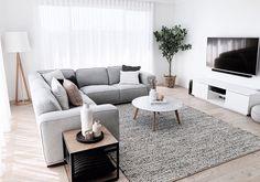 Classy Living Room, New Living Room, Small Living Rooms, Living Room Decor, Small Living Room Designs, Living Room Colors, Living Room Interior, Living Room Apartment, Modern Apartment Decor