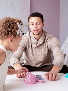 You Have to See the Adorable Bedroom and Playroom Pottery Barn Kids Just Created For the Curry Girls Curry Basketball, Basketball Funny, Basketball Players, Stephen Curry Family, The Curry Family, Father Daughter, Ryan Curry, Wardell Stephen Curry, Basketball