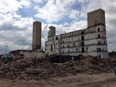 Eerie Indiana: Abandoned Philip Morris factory, Louisville Kentuc...