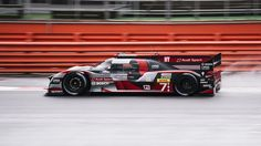 ITAP of the Audi R18 e-tron quattro at Silverstone during the WEC #photography via /r/itookapicture by Jaggerspadda