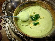 This cream of broccoli soup recipe is vegan, raw, and preserves all the nutrients and enzymes you want to keep around. This cream of broccoli soup recipe is vegan, raw, and preserves all the nutrients and enzymes you want to keep around. Broccoli Soup Recipes, Raw Broccoli, Cream Of Broccoli Soup, Cream Soup, Vegan Soups, Raw Vegan Recipes, Vegan Raw, Raw Soup Recipe, Frugal