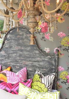 #colorful #bedroom #Chandelier #wallpaper