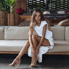Share, rate and discuss pictures of Inka Williams's feet on wikiFeet - the most comprehensive celebrity feet database to ever have existed. Inka Williams, Resort Wear For Women, Good Looking Women, Young Models, Dress And Heels, Lovely Dresses, White Tees, Womens High Heels, Beauty Women