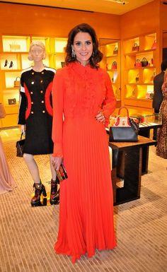 Renata Queiroz de Moraes de vestido Sandro Barros no jantar de fim de ano da Louis Vuitton na loja da marca no Shopping Cidade Jardim