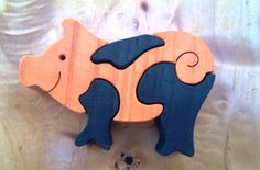 Montessori Waldorf wooden puzzle PIG made by hand by Ludimondo