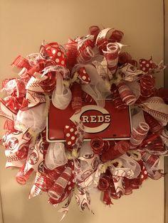 Cincinnati Reds Deco Mesh Wreath